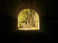マスクの穴はトンネル